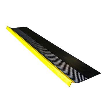 Grada-Estriada-Negra-Amarilla-15-m